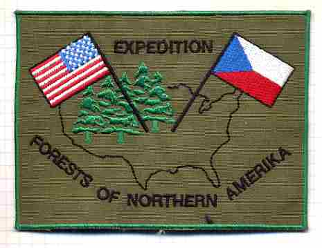 Rep_Tcheque_Expedition_Forest_of_Northern_Amerika_titre_epaule_tissu_115x85mm_b